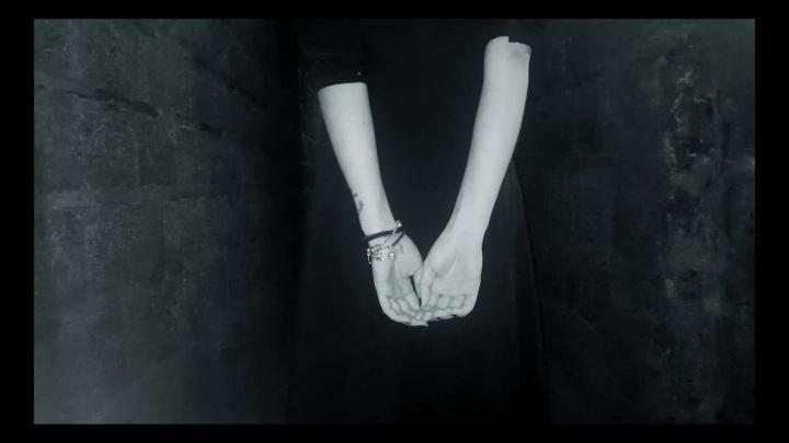 (new video): Iris – StellaDiana